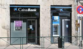 Caixabank empieza a cobrar comisiones por utilizar sus ...